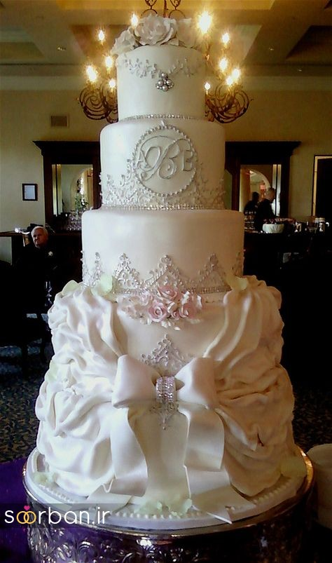 باشکوه ترین و لوکس ترین کیک های عروسی طبقاتی دنیا