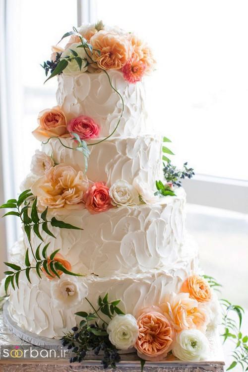 مدل کیک عروسی با روکش خامه بسیار زیبا و گل های طبیعی
