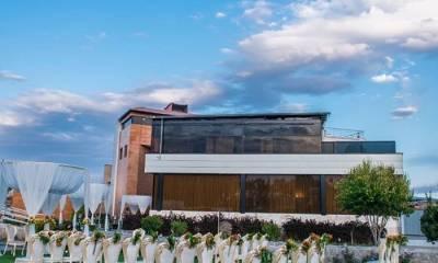 باغ تالار ضیافت در اصفهان