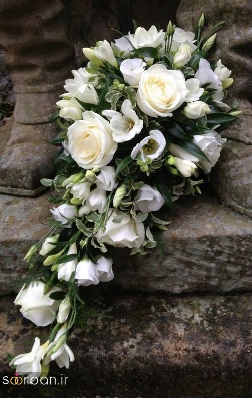 دسته گل عروس آبشاری زیبا و جدید با کمربند پاپیون