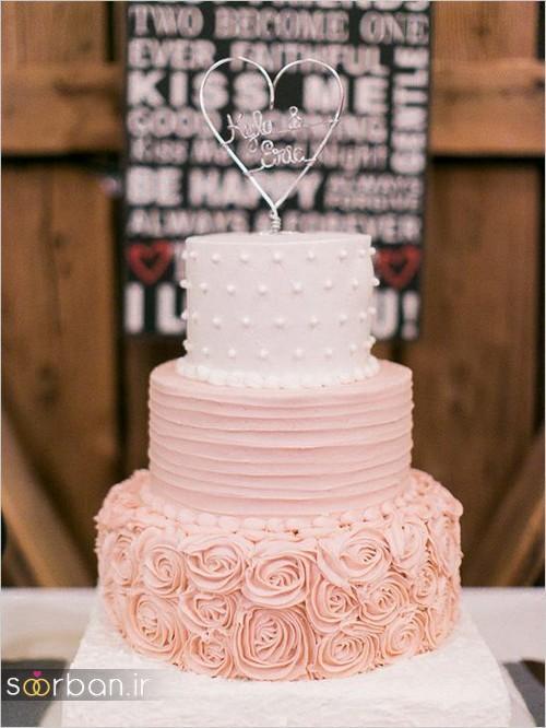 کیک عروسی با مدل روکش خامه به شکل رز صورتی