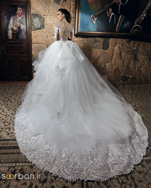 عکس لباس عروس پفی آستین دار با دامن دنباله دار