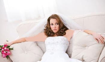 چرا نباید لباس عروس دکلته بپوشید