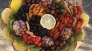 تزیین آجیل و میوه خشک به شکل دسته گل