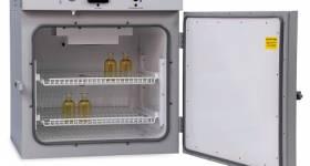 اهمیت استفاده و کاربرد انکوباتور آزمایشگاهی در تجهیزات مورد استفاده در آزمایشگاه