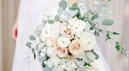 22 دسته گل عروس آبشاری جدید و زیبا + معرفی دسته گل آبشاری