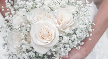 دسته گل عروس رز سفید شیک 2017